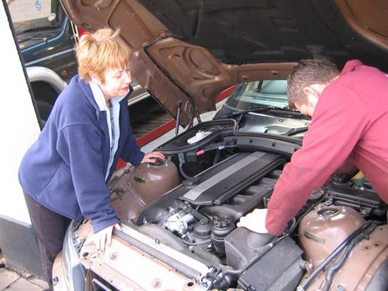 Getting the Right Garage Services Getting the Right Garage Services