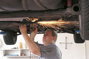 Repair Your Car in the Best Garage Repair Your Car in the Best Garage