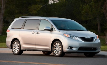 Toyota Sienna XLE Review of the Toyota Sienna XLE